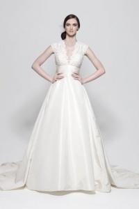 Elegantes A Linie V Ausschnitt Brautkleider