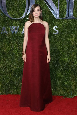 carey__mulligan_vogue_8june15_getty_b_320x480