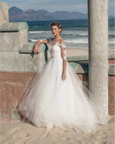 Elbeth-Gillis-wedding-dresses-20-12022015-km